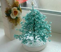 Handmade Christmas crafts from beads photos.