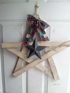Rustic Handmade Primitive Country Cottage by RusticTreasuresDecor Primitive Homes, Primitive Country, Primitive Decor, Rustic Decor, Craft Stick Crafts, Wood Crafts, Decor Crafts, Wood Stars, Primitive Gatherings