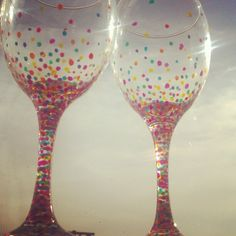 Hand Painted Wineglasses #Sorority #PhiSigmaSigma #PhiSig #DeltaEta #LITP #AimHigh #UniversityofDelaware #UDel #UD Diy Projects To Try, Craft Projects, Craft Ideas, Sorority Little, Glass Craft, Delta Zeta, Painted Wine Glasses, Diy Arts And Crafts, Wine Bottles