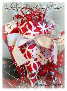DIY Valentine's Day Candy Cones - http://www.mommieagain.com/2014/01/diy-valentines-day-candy-cones.html