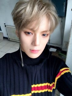 Minhyuk <those eyes o.O <3 >