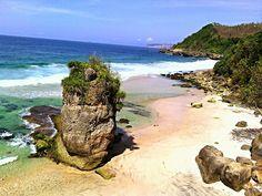 Pantai Lumbung, Pucanglaban, Tulungagung - Pesona Tulungagung