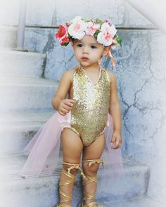 We love sunny fall days! They are perfect for sneaking in extra days in our favourite summer outfits like this gorgeous sequin tutu romper Miss Dalary is rocking!  How on fleek is this babes style  We still have a few of this gorgeous romper available! Sizes 12-24M  ready to ship. Leave email below to order