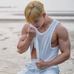 Asian Boys, Asian Men, Beautiful Boys, Pretty Boys, Wonho Abs, K Pop, Asian Male Model, Beauté Blonde, Pose Reference Photo