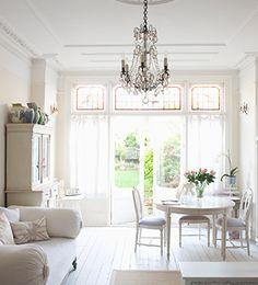 Mobilier classique chic | Accessoires de décoration d'intérieur chez Westwing
