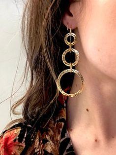 18k yellow gold long big chunky drop drops earring earrings drama dramatic dressy bridesmaid wedding bridal bride jewelry jewel modern heirloom jewels crownwork ray griffiths