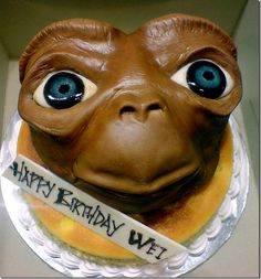 Is anyone really nerdy enough to cut into this birthday cake and not suffer nightmares? Cake Decorating Designs, Cookie Decorating, Cake Cookies, Cupcake Cakes, Cupcakes, Professional Cake Decorating, Et The Extra Terrestrial, Cake Pictures, Cake Pics