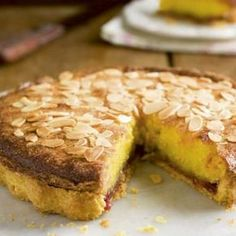 Lemon and poppy pound cake - HQ Recipes Köstliche Desserts, Delicious Desserts, Yummy Food, Lemon Recipes, Sweet Recipes, Quiches, Mozarella, Baking Bad, Dutch Recipes