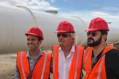 Ричард Брэнсон возглавил Hyperloop One https://itzine.ru/news/business/richard-branson-virgin-hyperloop-one.html  Отом, что основатель Virgin Group станет председателем совета директоров Hyperloop One стало известно ещё воктябре, когда группа Брэнсона вложила неназванную сумму впроект вакуумного поезда. Тогдаже проект был переименовал вVirgin Hyperloop One. Hyperloop One— проект вакуумного поезда. Идею приписывают Илону Маску, основателю PayPal, SpaceX иTesla. Сейчас как минимум три…
