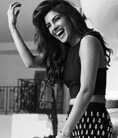 Priyanka Chopra Jonas Best Looks of All Time Indian Celebrities, Bollywood Celebrities, Bollywood Fashion, Bollywood Actress, Beautiful Indian Actress, Beautiful Actresses, Priyanka Chopra Hot, Quantico Priyanka Chopra, Shraddha Kapoor