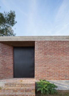 Brick siding. Casa Bovero by Germán Müller Arquitecto. © Federico Cairoli.