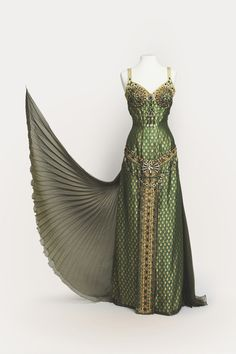 King Brienne's dress for the Conquering