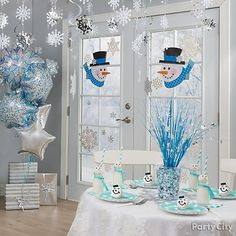 Create a magic Christmas scene straight from the Frosty the Snowman story! Click through for a collection of snowman & snowflake decorations to create this winter wonderland! Winter Party Themes, Winter Parties, Christmas Party Decorations, Xmas Party, Winter Theme, Christmas Themes, Snowflake Party, Snowflake Decorations, Snowman Decorations