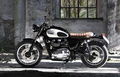 Have a look at this remarkable triumph scrambler custom - what an artistic innovation Triumph Scrambler Custom, Triumph Bonneville Custom, Moto Scrambler, Harley Davidson Scrambler, Triumph Motorcycles, Vintage Motorcycles, Street Scrambler, Triumph T100, Royal Enfield