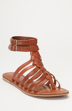 Roman Sandals (which I call Jesus Sandals) pretty cool Roman Sandals, Gladiator Sandals, Jesus Sandals, Pretty Shoes, Free Spirit, Passion For Fashion, Me Too Shoes, Pump, What To Wear