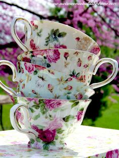 Always use your best bone china tea cups for Afternoon Tea. It is an elegant affair so no mugs or chipped cups please.