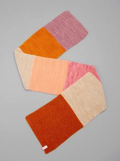 Couverture and The Garbstore - Womens - Ikou Tschuss - YMA Wool Scarf