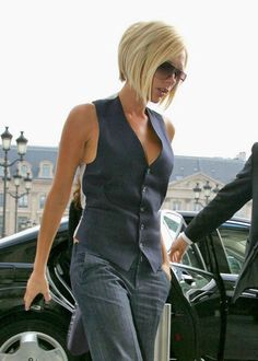 Victoria Beckham Inverted blonde bob