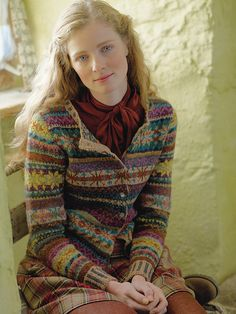 Knit this women's fairisle cardigan from Rowan Knitting & Crochet Magazine a design by Marie Wallin using the beautiful yarn Felted Tweed (merino wool and alpaca). With set-in sleeves, round neck and striped rib and cuffs, this knitting pattern is for Rowan Knitting, Rowan Yarn, Fair Isle Knitting, Hand Knitting, Tejido Fair Isle, Punto Fair Isle, Laine Rowan, Fair Isles, Fair Isle Pattern