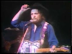 Waylon Jennings  - Don't you think this outlaw bit's done got out of hand - Clyde