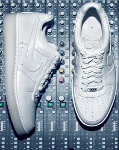 Cristiano-Ronaldo-Nike-Air-Force-1-Low-XXX-Anniversary-CR7-Edition-Preview-02