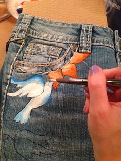 Paint Nite, @silverjeanco @peoplestylewatch #sjcstylehunter #diy Painted jeans #paintnite