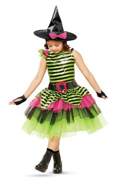 Who said witches needed to be scary? How about whimsical! Halloween Witches, Halloween 2015, Halloween Dress, Holidays Halloween, Halloween Costumes For Kids, Halloween Crafts, Halloween Makeup, Halloween Decorations, Creative Costumes