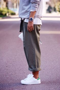 Stan smith winter look стиль кэжуал outfit, utcai stílusok és divat. Mode Outfits, Fashion Outfits, Womens Fashion, Ladies Fashion, Fashion Ideas, Queer Fashion, Tomboy Outfits, Cute Casual Outfits, Classic Outfits