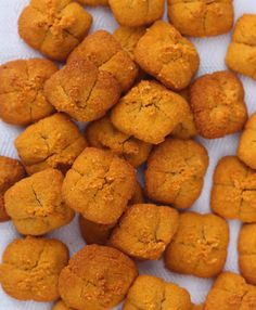 Tanker Tots Natural Sweet Potato Dog Treats - Cheddar Cheese Flavor http://www.tankertots.com/#!tots/c3ex