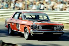 Allan Moffat, Ford Falcon GT. Warwick Farm, Feb 1970. Photo: Doug Eagar.