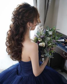 Color Dress x 75 Hairstyles Lets model older brides! Short Wedding Hair, Wedding Hairstyles For Long Hair, Straight Hairstyles, Bridesmaid Hair, Prom Hair, Curly Hair Styles, Natural Hair Styles, Wedding Hair Inspiration, Gorgeous Hair