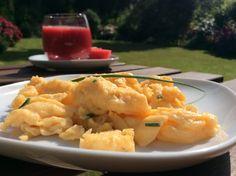 Saftiges Butter - Rührei 'Profi Klasse', ein sehr leckeres Rezept aus der Kategorie Frühstück. Bewertungen: 236. Durchschnitt: Ø 4,6.