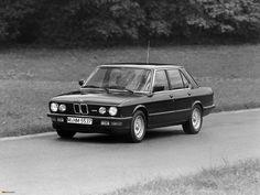 E28 BMW M5 with 400,000 miles - http://www.bmwblog.com/2015/06/17/e28-bmw-m5-with-400000-miles/