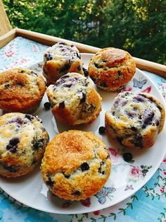 Blueberry muffins Homemade Muffins, Bulgarian Recipes, Yummy Food, Tasty, Blue Berry Muffins, Salmon Burgers, Love Food, Blueberry, Breakfast