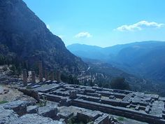 Ruins of Temple of Apollo at Delphi - Wikipedia, the free encyclopedia