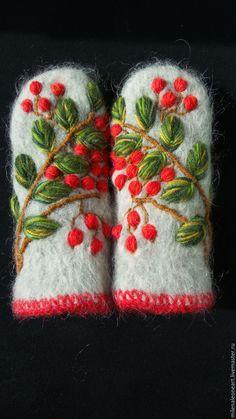 Варежки, митенки, перчатки ручной работы. Ярмарка Мастеров - ручная работа. Купить Варежки с объемной вышивкой Рябина. Handmade.