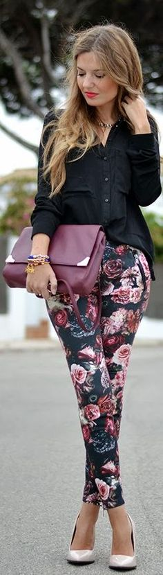 I love Floral Pants -by Mi Aventura Con La Moda Floral Fashion, Fashion Prints, Love Fashion, Fashion Looks, Womens Fashion, Purple Fall Outfits, Spring Outfits, Cool Outfits, Casual Outfits