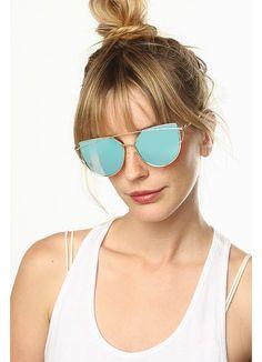 Metal frame sunglasses with color mirror lenses. Ray Ban Sunglasses, Round Sunglasses, Sunglasses Women, Mirrored Aviators, Mirrored Sunglasses, Fake Glasses, Cheap Designer, Sunglass Frames