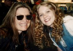 San Diego video producer Patty Mooney with actress Kirsten Dunst at VSDA Show in Dallas, 1995 (Photo credit: Mark Schulze of Crystal Pyramid Productions Celebrity Pictures, Celebrity News, Business Video, Kirsten Dunst, San Diego Comic Con, Sci Fi Movies, Vintage Photographs, Photo Credit, Sunglasses Women