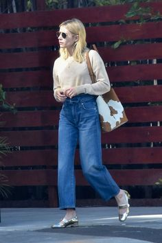 Casual Chic, Casual Street Style, Celebrity Outfits, Celebrity Style, Emma Roberts Style, Looks Style, My Style, Chic Outfits, Fashion Outfits