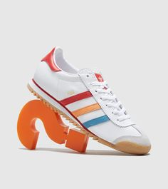 adidas Originals Romadidas Originals Rom - find out more on our site. Find the freshest in trainers and clothing online now. White Adidas Originals, The Originals, Adidas Men, Adidas Sneakers, Jd Sports Fashion, Adidas Samba, Football Fans, Trainers, Baskets