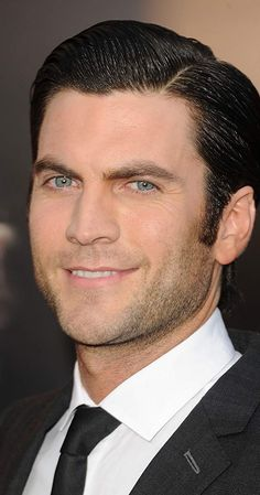 Wes Bentley, Actor: There be Dragons. Wes Bentley is an American actor who first became well-known via his role in the Oscar-winning film American Beauty (1999), in which he played the soulful, artistic next-door neighbor Ricky Fitts. He also portrayed gamemaker Seneca Crane in The Hunger Games (2012), and co-stars in Lovelace (2013) as photographer Thomas. Wesley Cook Bentley was born... American Actors Male, Oscar Winning Films, Barbara Stanwyck, Marlon Brando, Event Photos, Michael Fassbender, American Horror Story, Best Actor, Hunger Games