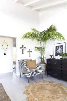 Glamour Coastal Living: The Grove Byron Bay and Villa Styling Beach Cottage Style, Beach Cottage Decor, Coastal Cottage, Coastal Homes, Coastal Style, Coastal Decor, Modern Coastal, Coastal Interior, Luxury Interior