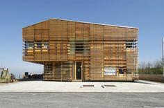 wooden-facade-of-alpine-hotel-celjska-koca-2
