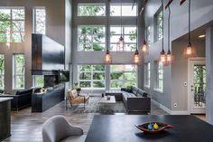 Serendipity house разработанный и построенный Jordan Iverson Signature Homes расположен в Юджине, штат Орегон, США
