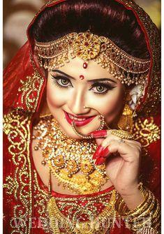 Indian Bridal Photos, Indian Bridal Fashion, Indian Bridal Wear, Bridal Makeup Tips, Bridal Makeup Looks, Red Wedding Lehenga, Punjabi Wedding, Bridal Lehenga, Indian Wedding Makeup