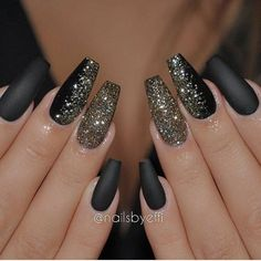 Sparkly nails perfect for the holidays! Hello New Years Eve nails! Manicure time, start the year off on the right foot!