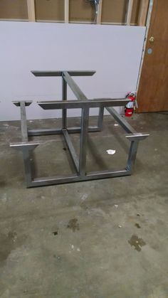 Simple retrieved diy welding projects ideas that site Welded Furniture, Steel Furniture, Industrial Furniture, Welding Table Diy, Metal Welding, Welding Art, Welding Tools, Diy Tools, Welding Design