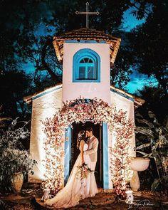 Zankyou Casamentos • Brasil (@zankyoubrasil) • Instagram photos and videos Wedding Pics, Wedding Day, Wedding Dresses, Wedding Locations, Wedding Venues, Hacienda Style Homes, Copacabana Beach, Bohemian Wedding Decorations, Beautiful Nature Pictures