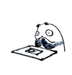 【一日一大熊猫】2015.12.13 みなさんは年末ジャンボ宝くじ買ったかな? 前後賞合わせて10億円だってね。 狙うなら10億円でしょう。 10億円以外に考えられないね。 #パンダ #宝くじ